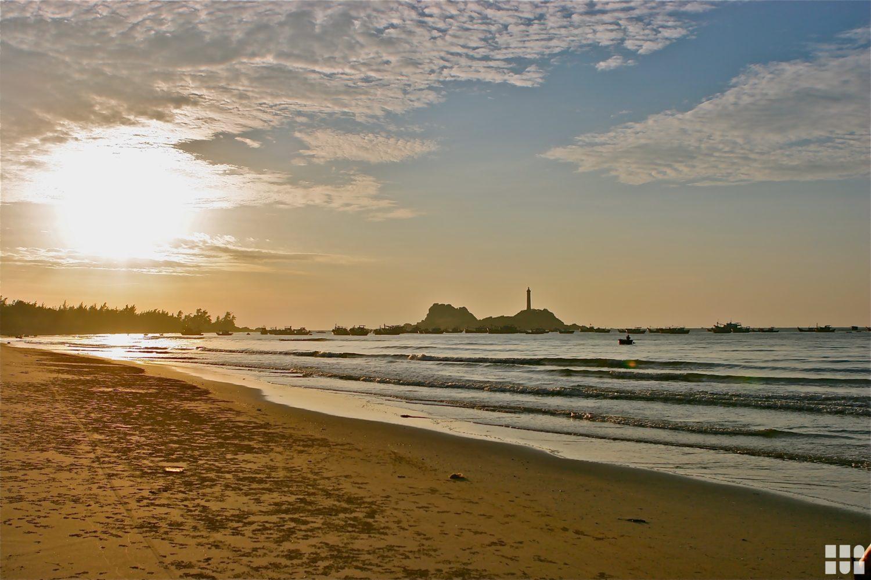 Sonnenuntergang am Ke Ga Strand in Vietnam ©Touristikerfotos.net