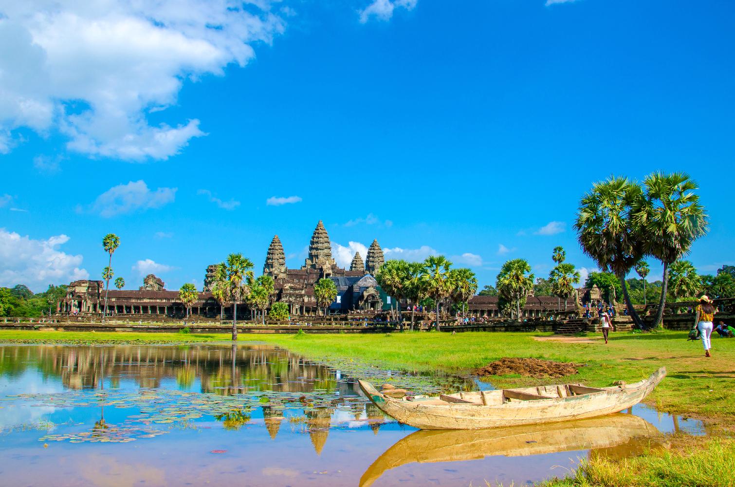 Kambscha Siam Rep Angkor Wat mit Boot am See ©123RF