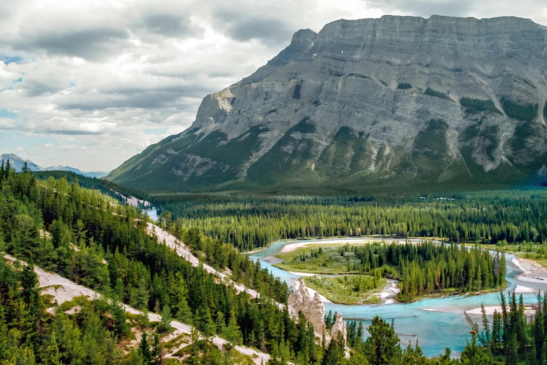 Kanada Alberta Banff Bow River und die Hoodoos Canadian Rockies ©123RF