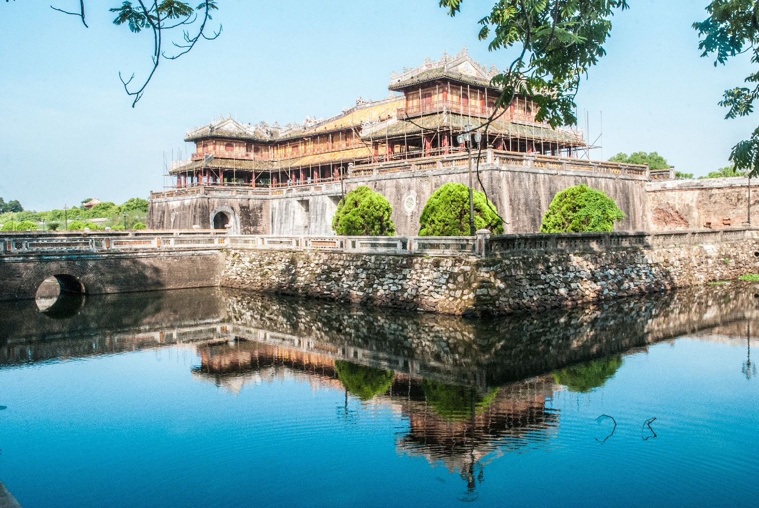 16907198 – gateway to purple forbbiden city in hue, vietnam