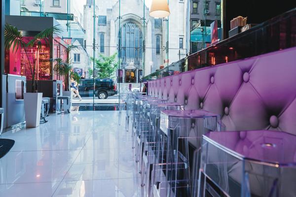 RIU Plaza Manhattan Fashion Bar
